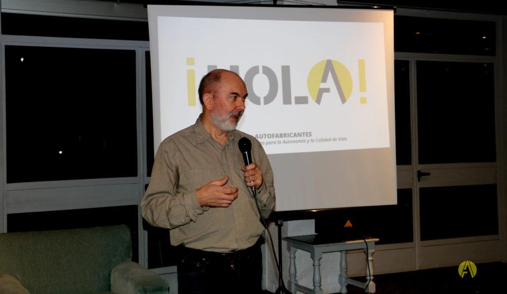 Autofabricantes hablando de SuperGiz en elColegio Mayor Roncalli de Madrid